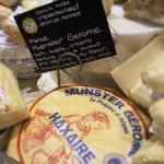 Prise dans un supermarché à Chicago, cette photo témoigne du succès des produits de terroirs et spécialement des fromages frnaçais à travers la monde malgré les contraintes sanitaires et législatives. Ici un Munster représente la région ALCA aux Etats-Unis !